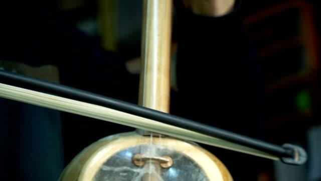 کمانچه | آشنایی با ساز ایرانی کمانچه